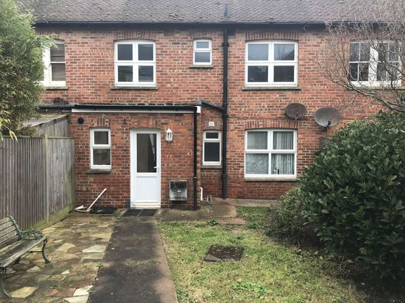 3 Bedrooms House for rent in Blatchington Road, Seaford, BN25