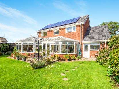 4 Bedrooms Detached House for sale in Wroxham, Norwich, Norfolk