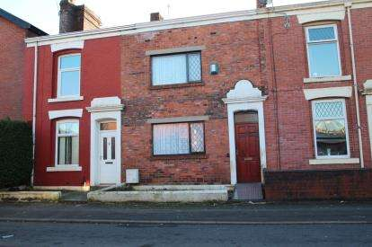 2 Bedrooms Terraced House for sale in Selborne Street, Blackburn, Lancashire, ., BB2