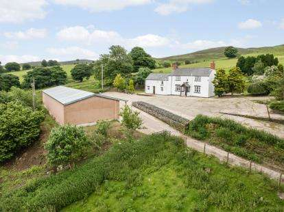 4 Bedrooms Equestrian Facility Character Property for sale in Bryneglwys, Corwen, Denbighshire, LL21