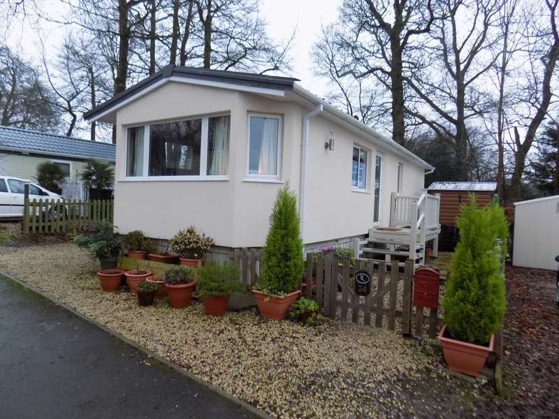 2 Bedrooms Mobile Home for sale in Turnpike, Chard
