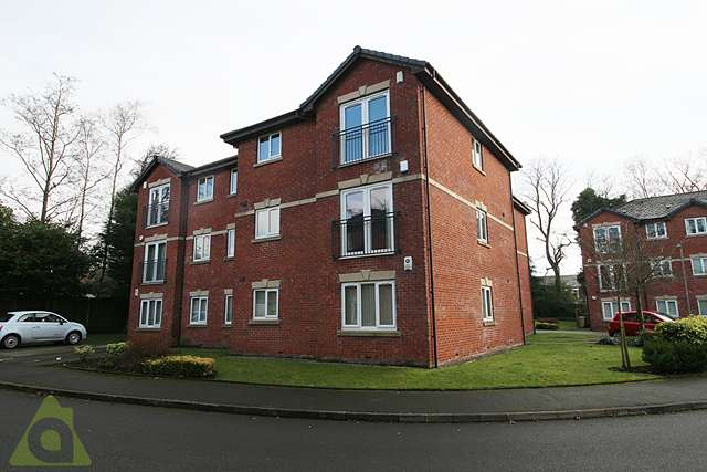 2 Bedrooms Apartment Flat for sale in Thurlwood Croft, Westhoughton BL5