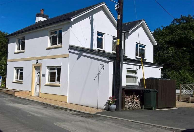 4 Bedrooms Detached House for sale in Glenavon, Dolybont, Borth, Ceredigion, SY24