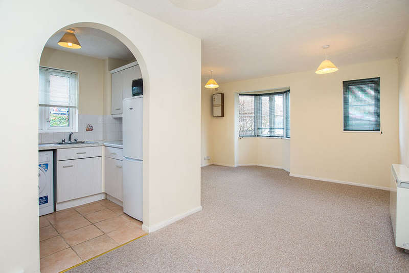 1 Bedroom Flat for sale in Autumn Drive, Sutton, SM2
