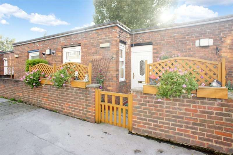 1 Bedroom Flat for sale in Macaulay Way, Central Thamesmead , London, SE28