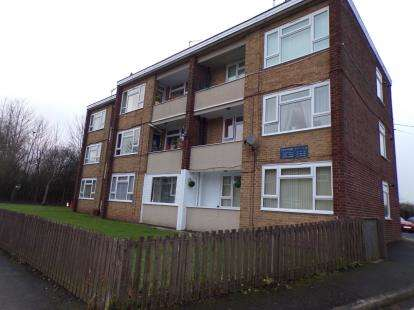 1 Bedroom Flat for sale in Edinburgh Road, Oldbury, Sandwell, West Midlands