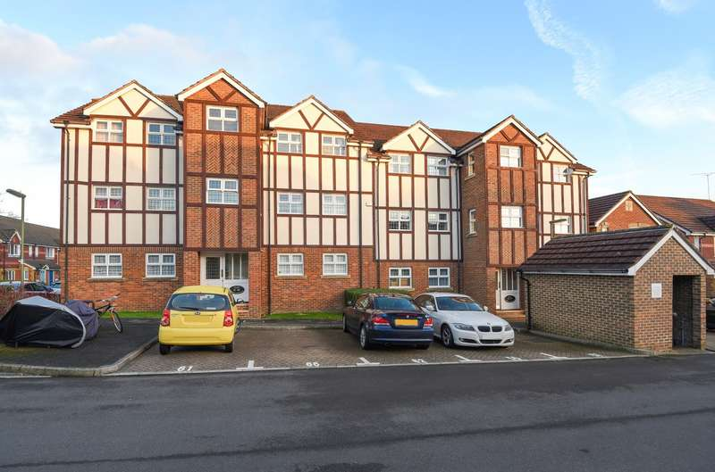 2 Bedrooms Flat for sale in Knaphill
