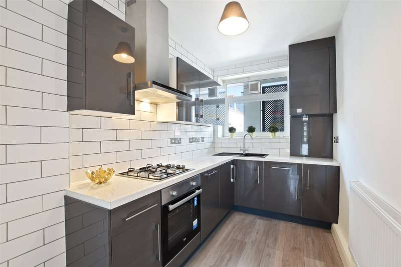 2 Bedrooms Flat for sale in Brimsdown House, Devas Street, London, E3