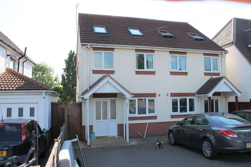 3 Bedrooms Semi Detached House for sale in Braunstone Lane East, Leicester LE3