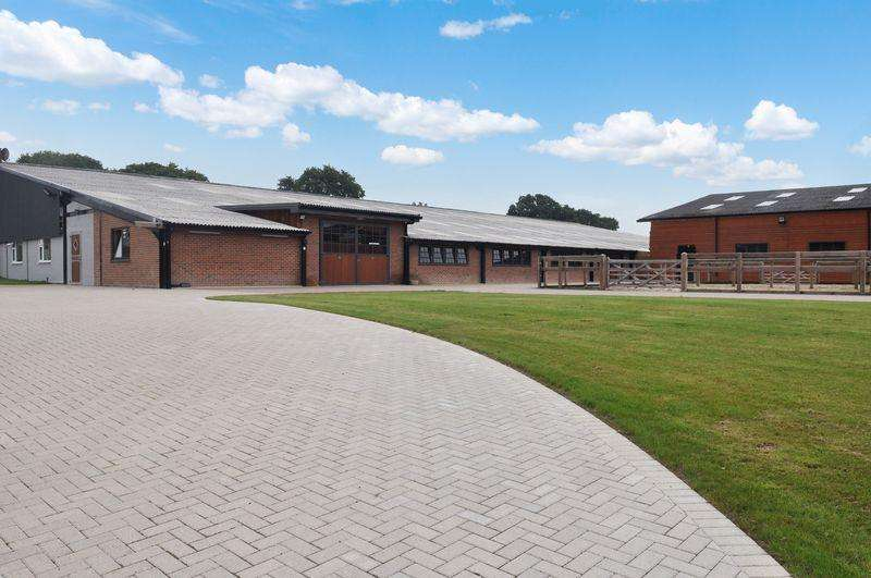 Equestrian Facility Character Property for rent in Hascombe Farm, Henfield