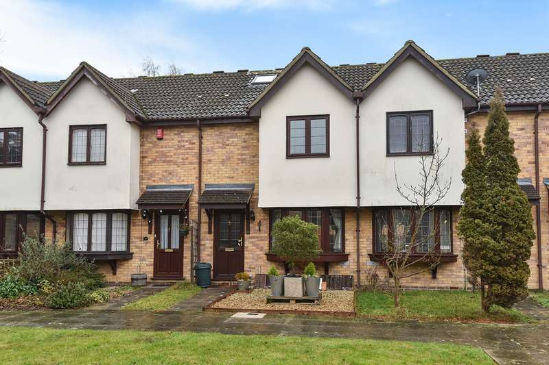 3 Bedrooms Town House for sale in The Brackens, Crowthorne, RG45