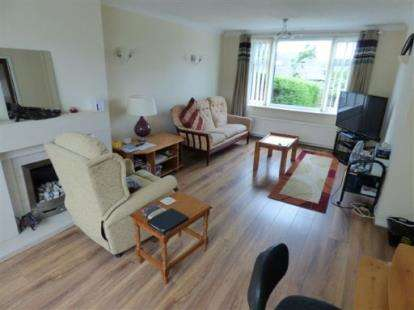 5 Bedrooms Semi Detached House for sale in Hereford Road, Colne, Lancashire, BB8