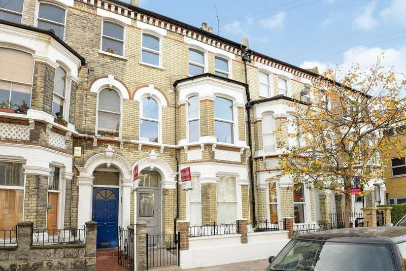 2 Bedrooms Flat for sale in Sangora Road, Battersea