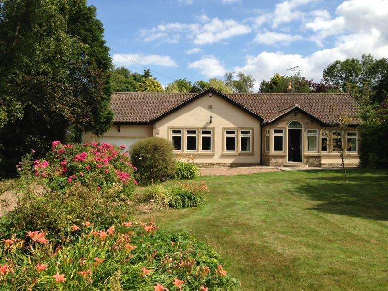 3 Bedrooms Bungalow for rent in ARKENDALE ROAD, STAVELEY, HG5 9JX