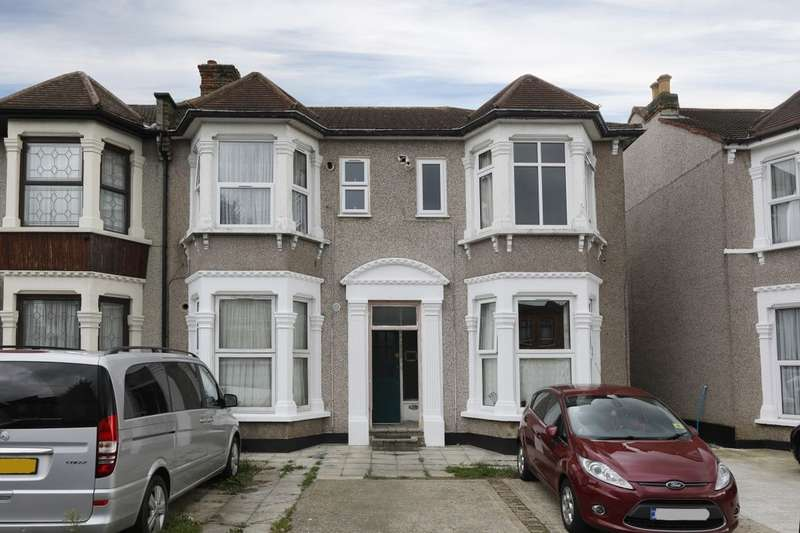 1 Bedroom Flat for sale in Norfolk Road, Seven Kings, Ilford, IG3