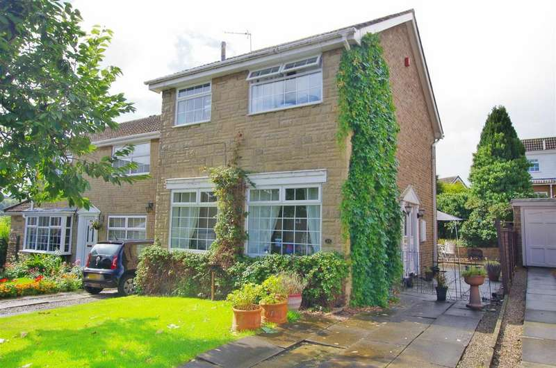 3 Bedrooms Detached House for sale in Templars Close, Greetland