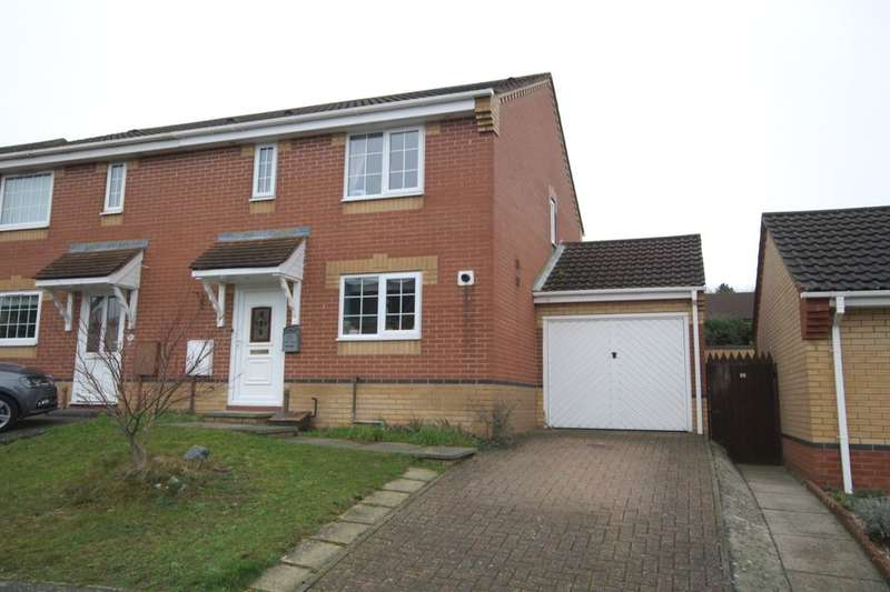 3 Bedrooms Semi Detached House for sale in Hudson Way, Chapel Break , Norwich, NR5