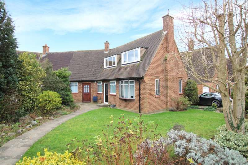 3 Bedrooms Semi Detached House for sale in South Close, St. Albans, Hertfordshire, AL2