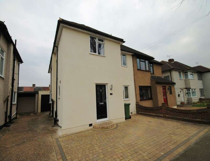4 Bedrooms Semi Detached House for rent in Diban Avenue, Hornchurch, RM12