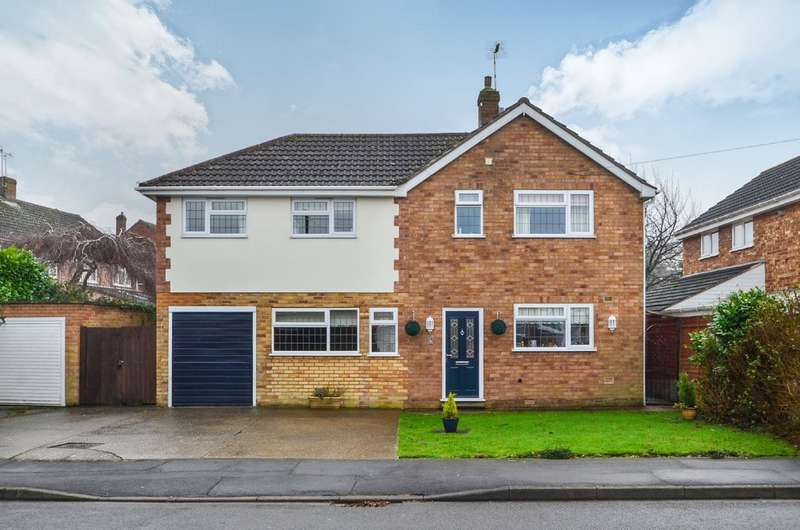 6 Bedrooms Detached House for sale in Falstaff Drive, Woodlands, Rugby