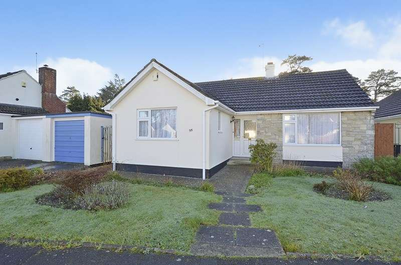2 Bedrooms Detached Bungalow for sale in Glenwood Way, West Moors, Ferndown
