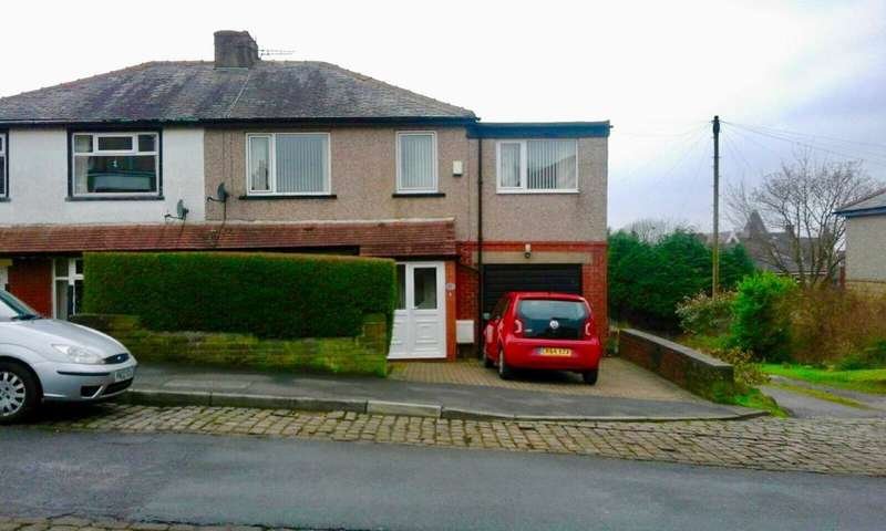 4 Bedrooms House for rent in Rosewood Avenue, Burnley, BB11 2PH