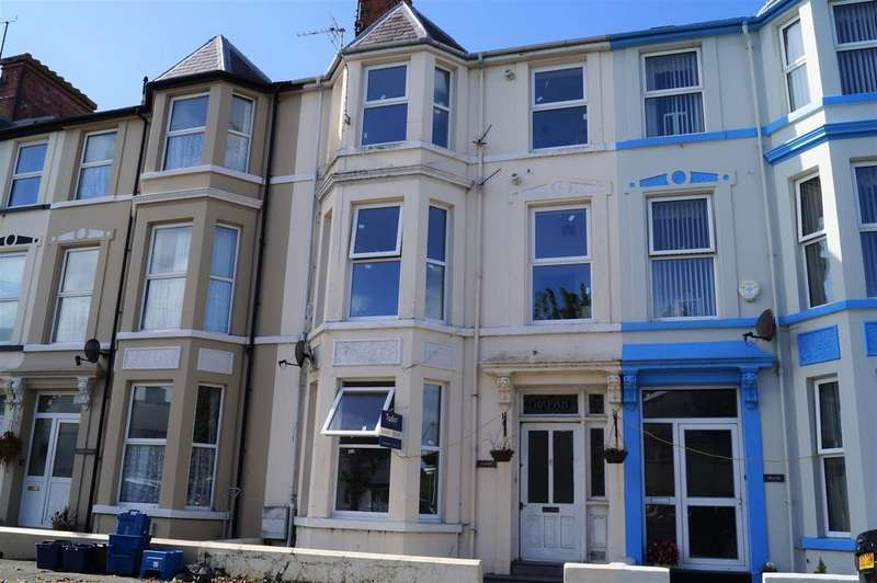 6 Bedrooms Terraced House for sale in Embankment Road, Pwllheli