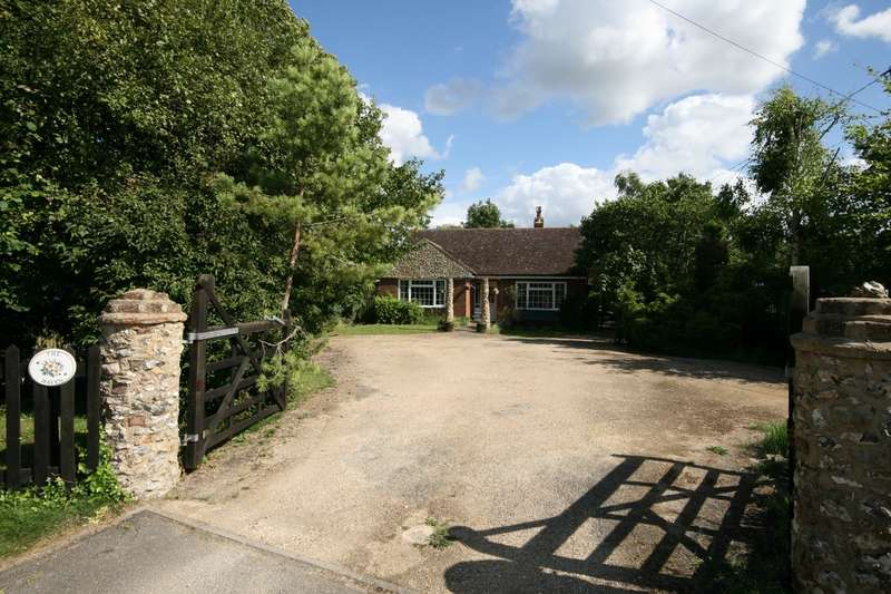 4 Bedrooms Detached House for rent in Monks Risborough   Buckinghamshire