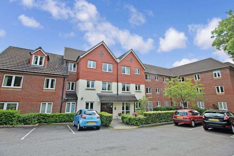 1 Bedroom Property for sale in Cedar Court, Cardiff, CF14 5NB