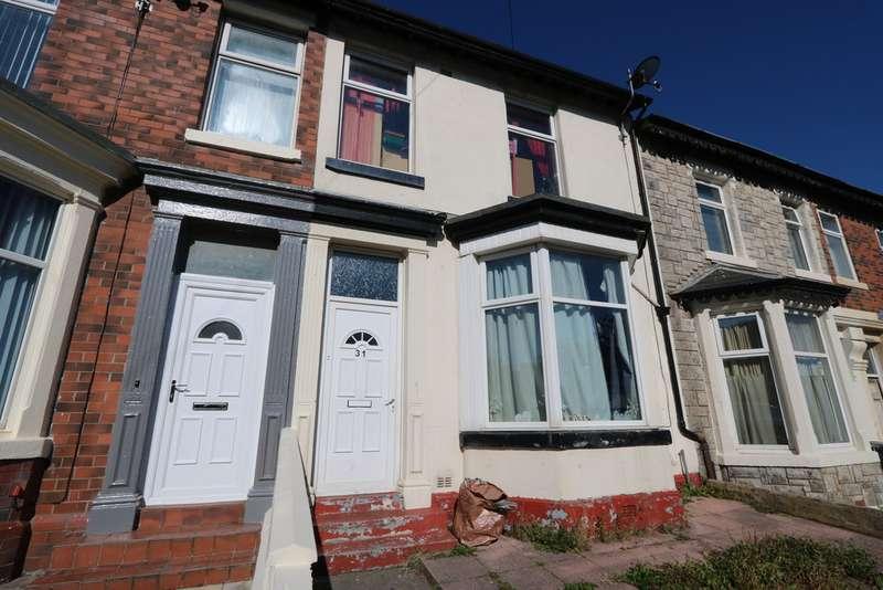 4 Bedrooms Terraced House for rent in Buchanan Street, Blackpool FY1