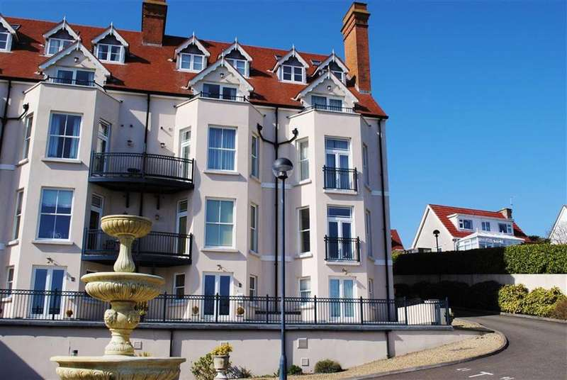 2 Bedrooms Flat for sale in 9, Mansion House, Bryn - Y - Mor, Tenby, SA70