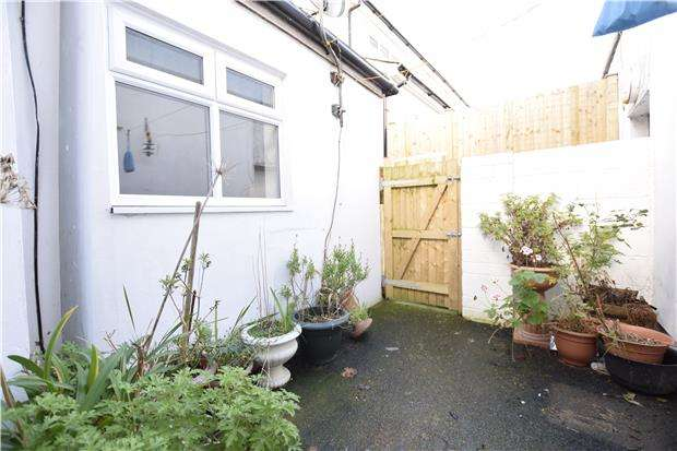 1 Bedroom Flat for rent in London Road, BEXHILL-ON-SEA, East Sussex, TN39