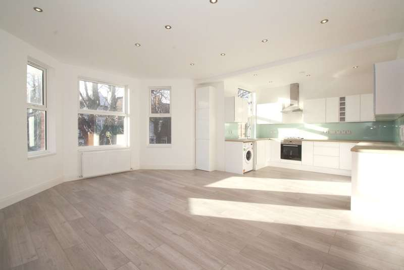 3 Bedrooms Flat for sale in Park Avenue, Willesden Green NW2