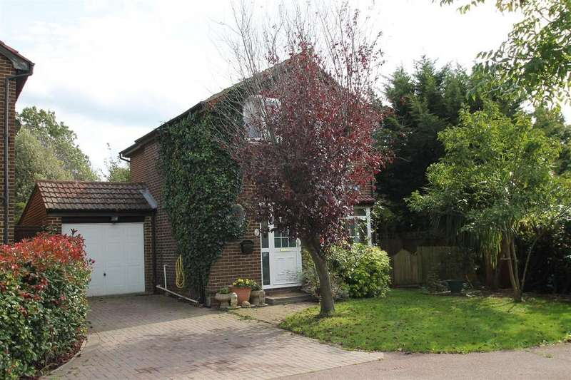 3 Bedrooms Detached House for sale in St. Benedict Road, Snodland