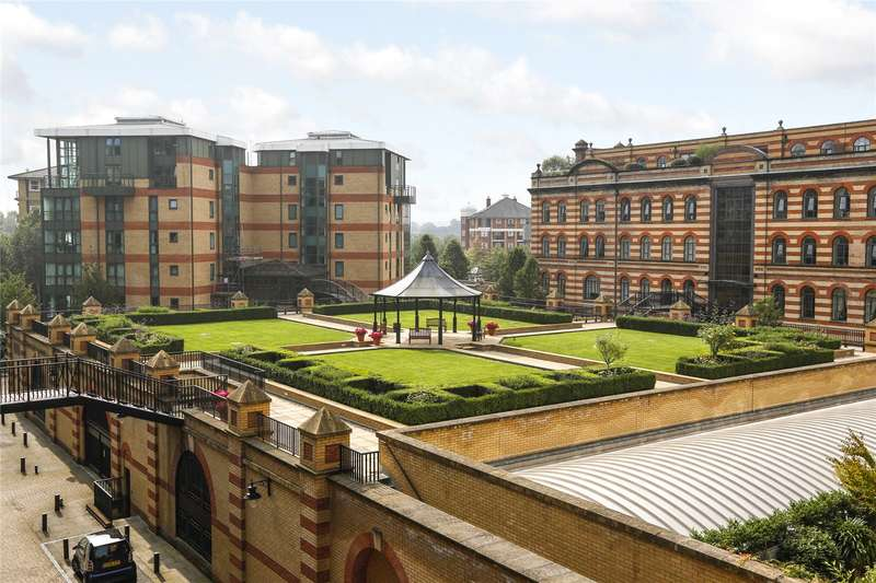 3 Bedrooms Flat for sale in William Hunt Mansions, 4 Somerville Avenue, London, SW13