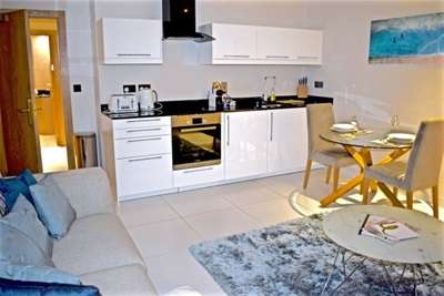 1 Bedroom Flat for rent in Basinghall Buildings, 10 Butts Court, Leeds City Centre