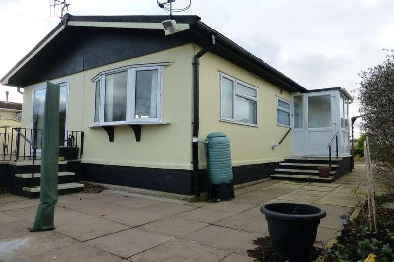 2 Bedrooms Bungalow for sale in Parklands, Evesham, WR11