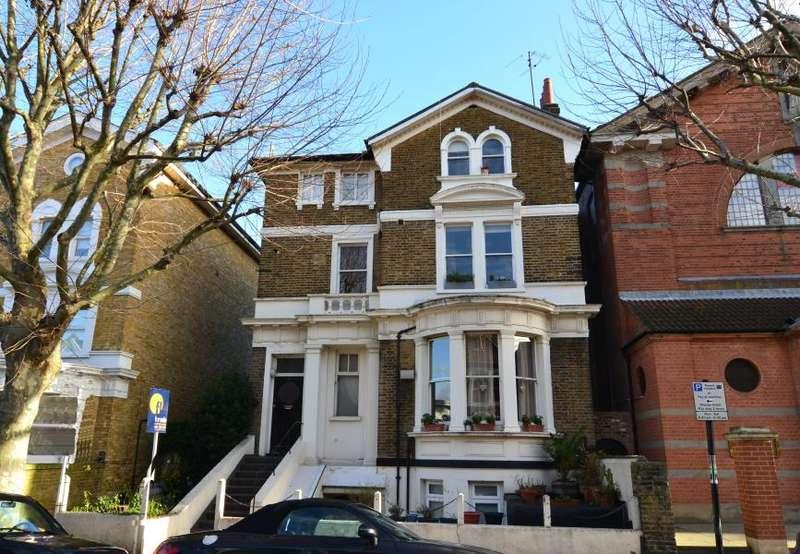 1 Bedroom Flat for sale in Altenburg Gardens, Battersea, SW11