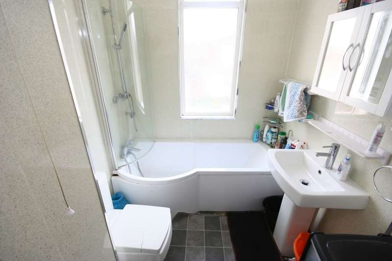 2 Bedrooms Terraced House for sale in Angle Street, Middlesbrough, TS4