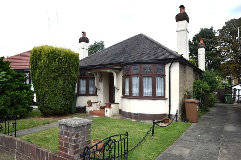 3 Bedrooms Detached Bungalow for sale in Manor Close, Crayford, Dartford, DA1