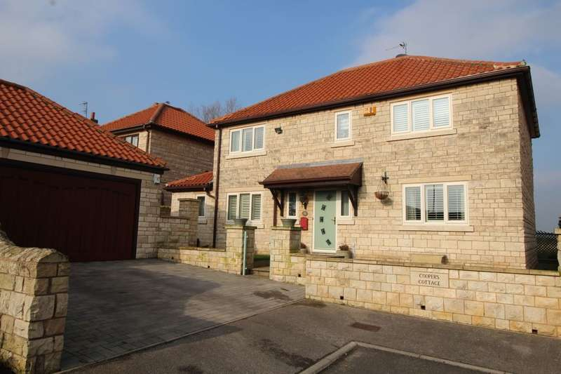 4 Bedrooms Detached House for sale in Grove Court, Marr, Doncaster, DN5