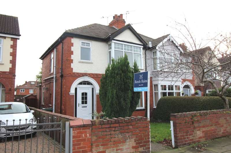 3 Bedrooms Semi Detached House for sale in Hampton Road, Doncaster, DN2
