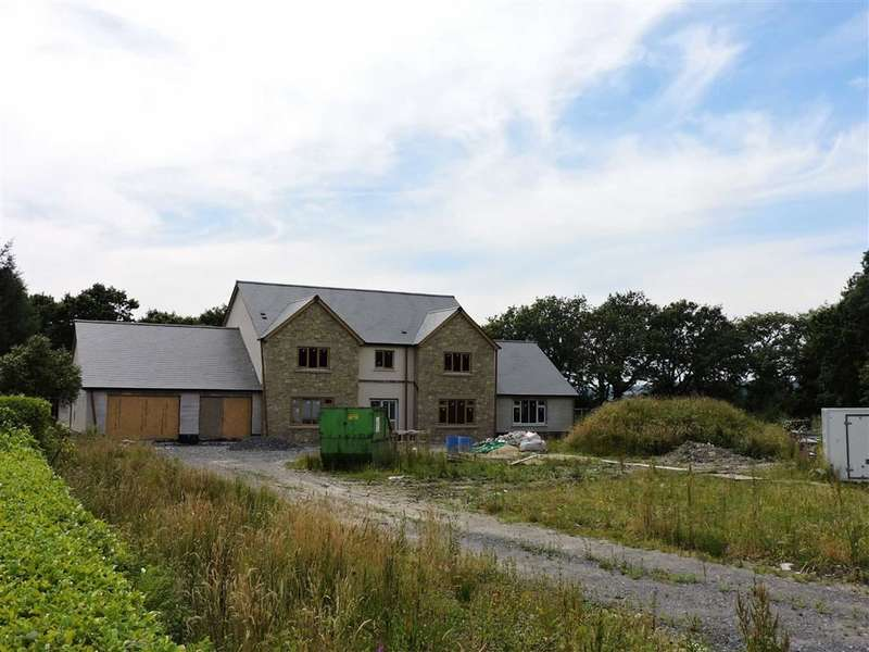 4 Bedrooms Detached House for sale in Gwendraeth Road, Tumble, Cross Hands