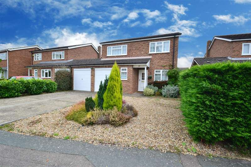4 Bedrooms House for sale in Wellington Way, Horley