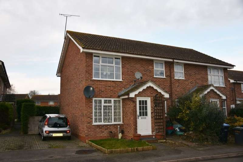 1 Bedroom Flat for sale in Slade Road, Ottershaw, Chertsey, KT16