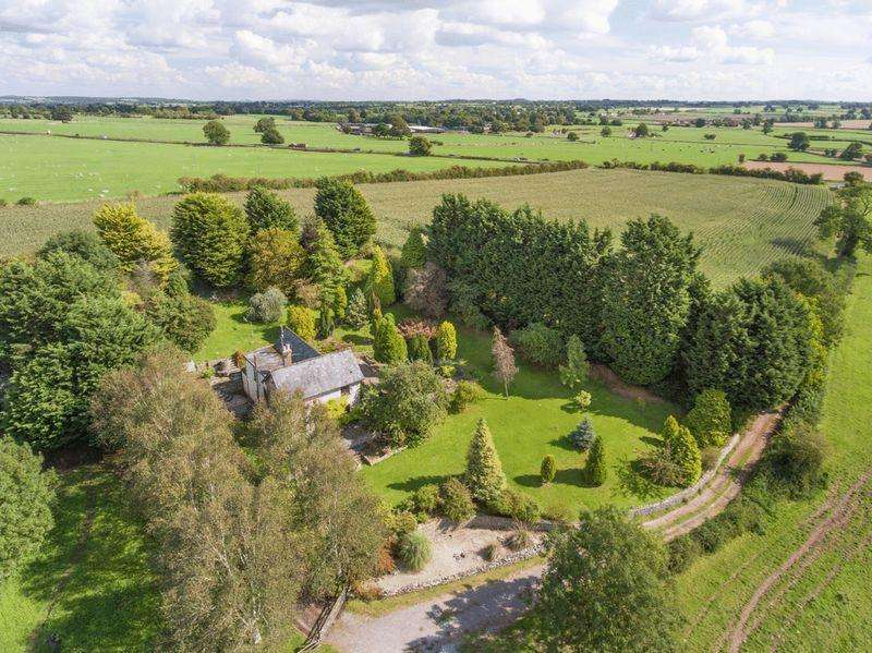 4 Bedrooms Detached House for sale in Chewton Mendip, North of Wells