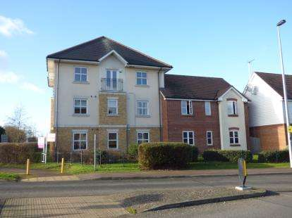 2 Bedrooms Flat for sale in Hopcrofts Meadow, Redhouse Park, Milton Keynes, Bucks