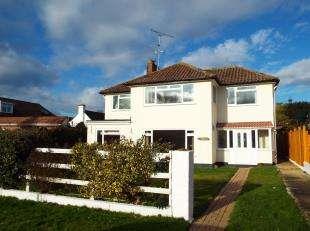 4 Bedrooms Detached House for sale in Kingsway, Aldwick, Bognor Regis, West Sussex