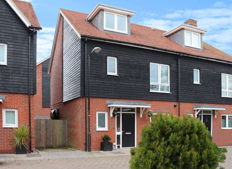 4 Bedrooms Semi Detached House for sale in Schuster Close, Cholsey