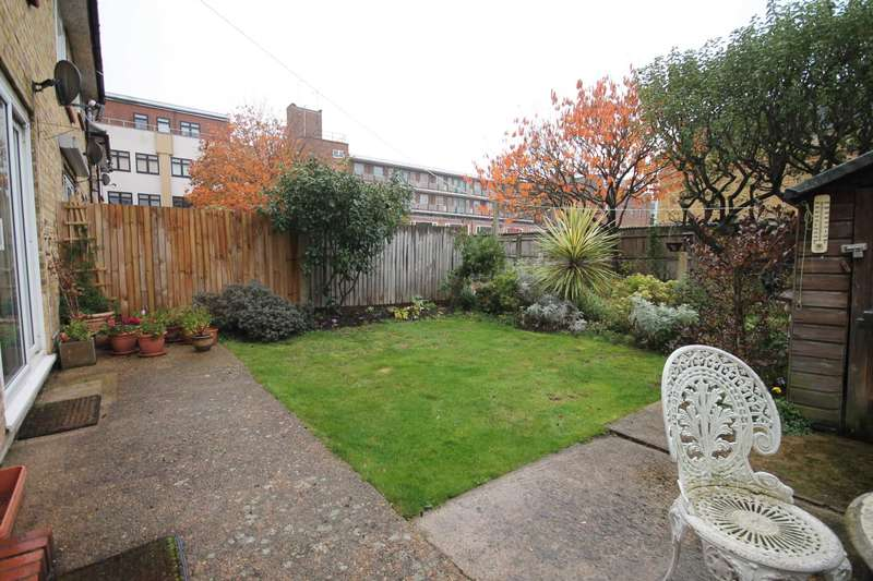 2 Bedrooms Flat for sale in Lime Grove, New Malden